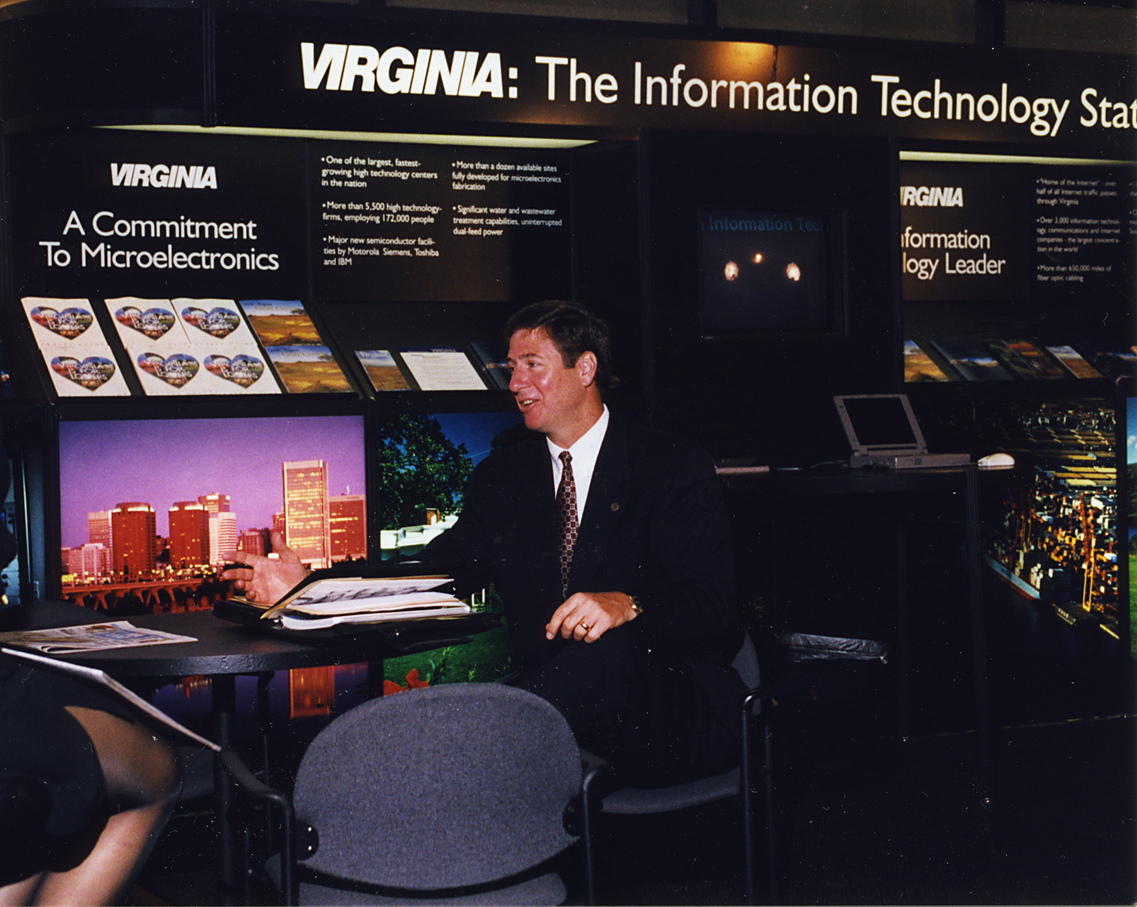 Virginia Governor, George F. Allen attends the World Conference on Information Technology, George Mason University, 1998